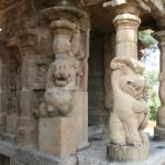 Kanchipuram, Kailashanatha Temple, Pillars and demons
