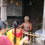 Chennai, Kapaleeshwarar Temple, puja