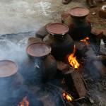 """Pendant le """"Pongal"""", la  cuisson du riz et un art sacré"""