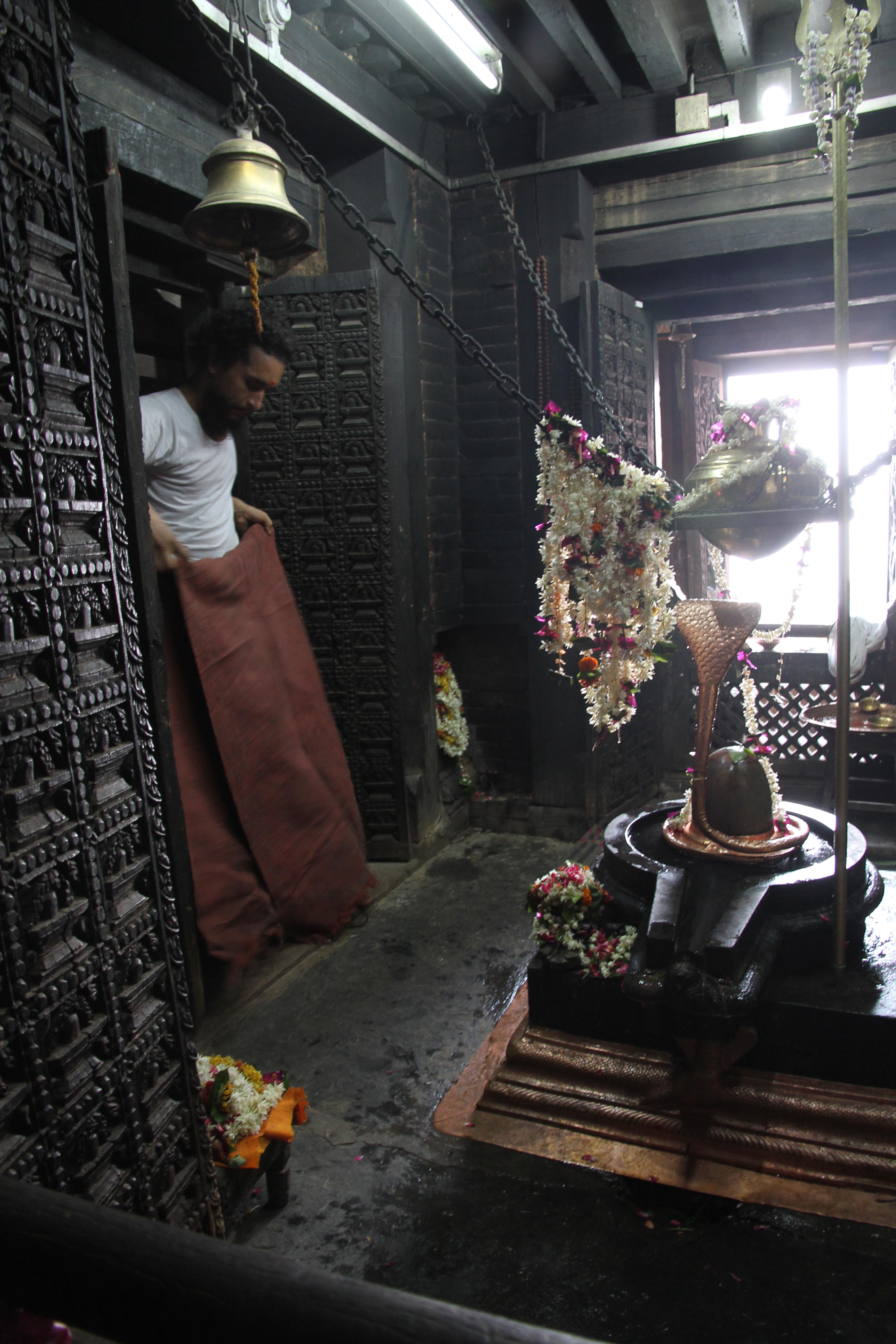 Śiva liṅgaṃ à Vārānasī (Bénarès)