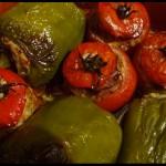 Poivrons et tomates farcies au four