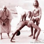 Sivananda teaching Yoga