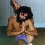 JC en1973 en Eka Pada Shrisasana