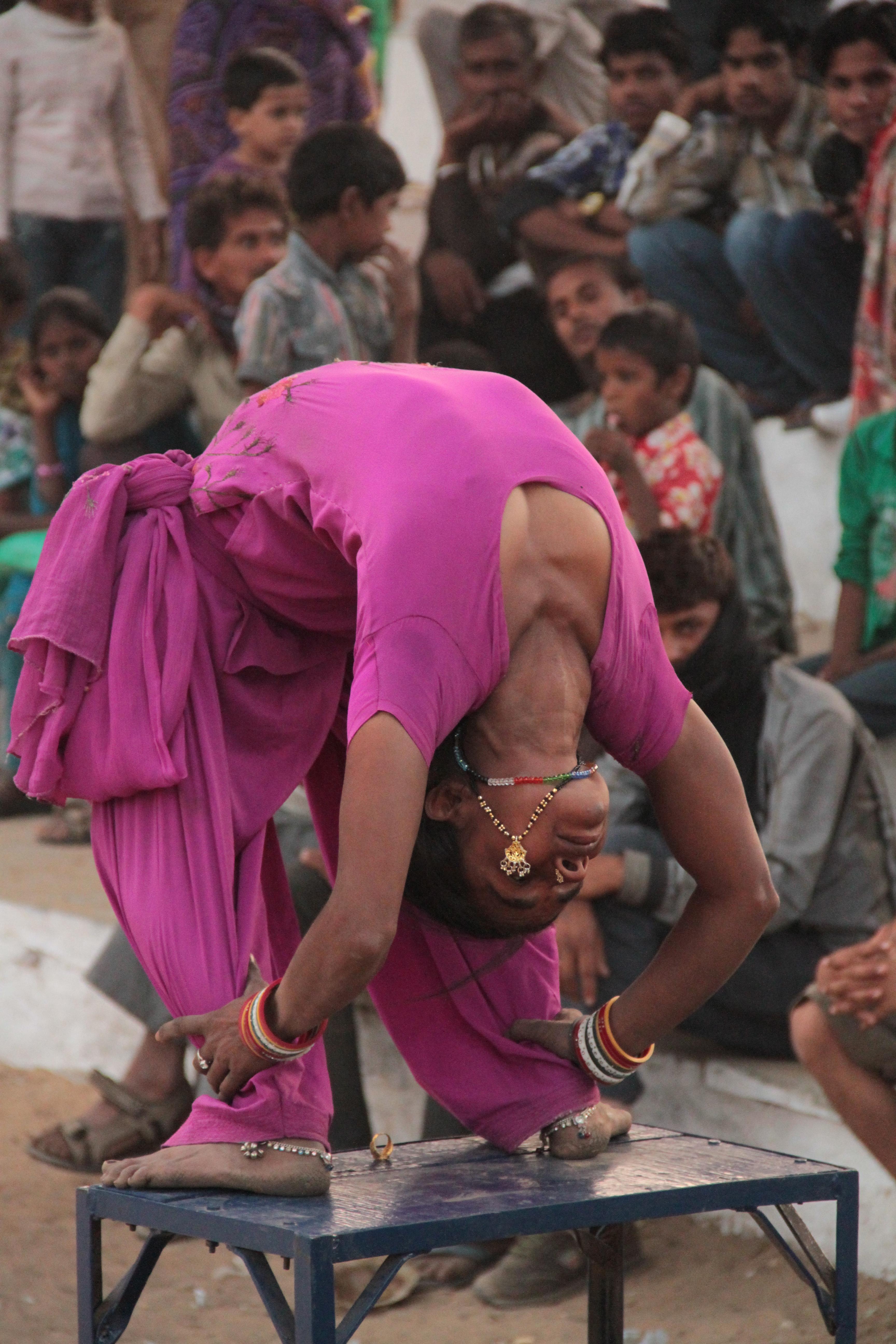 les danses populaires en inde ou danses folkloriques ethniques ashtanga yoga institute. Black Bedroom Furniture Sets. Home Design Ideas